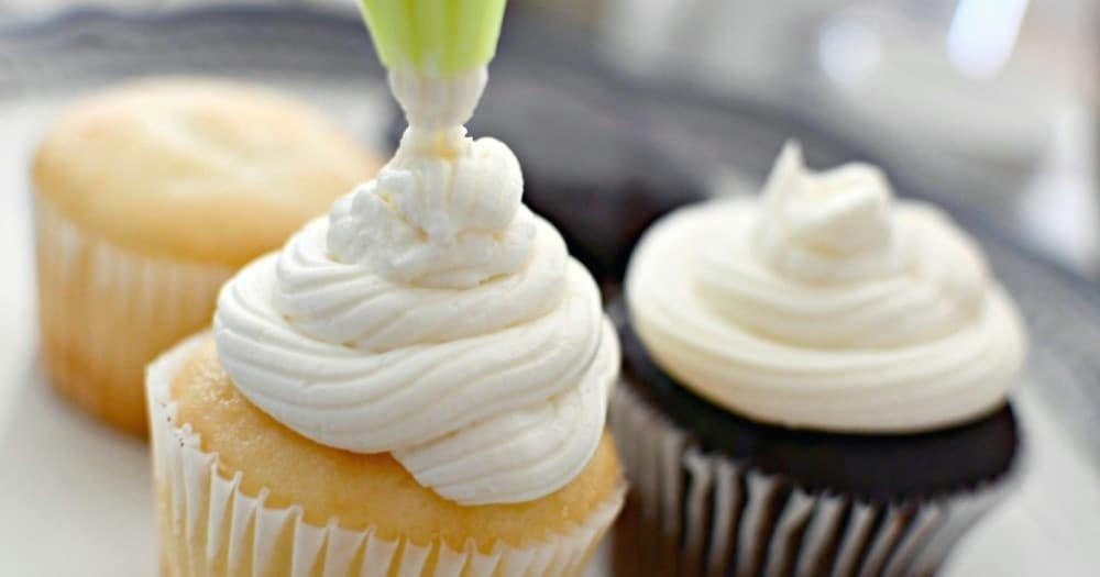 Vanilla buttercream on the top of cupcakes